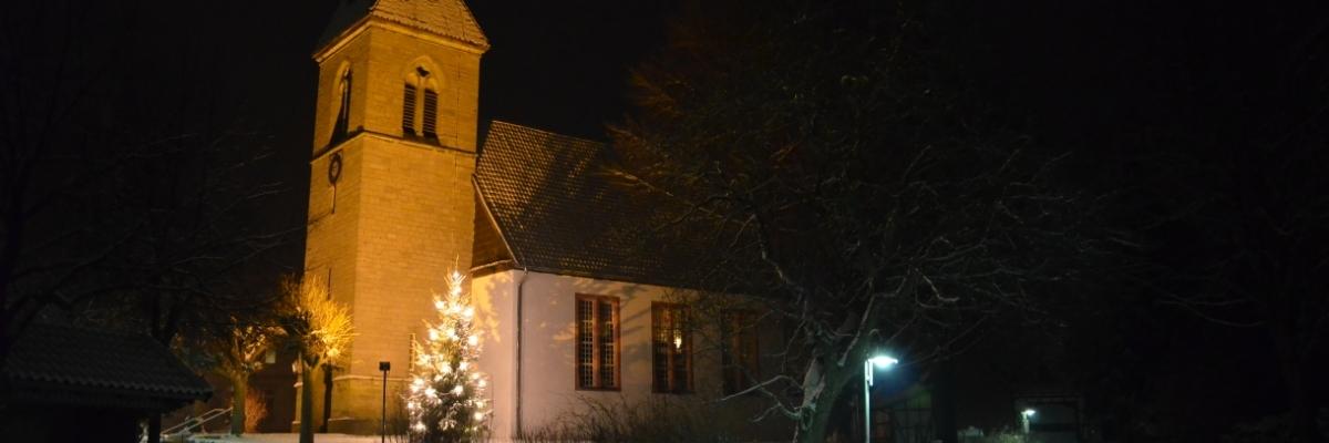 St.-Georg-Kirche im Schnee